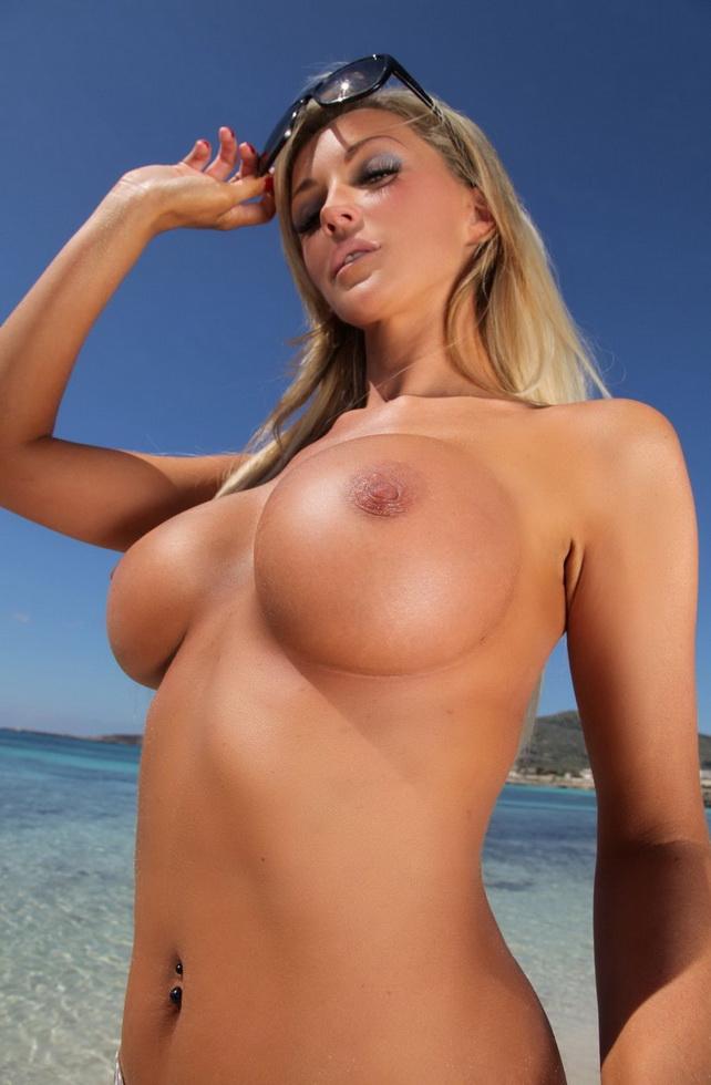 Big Tits gallery : Big Tits nude pics